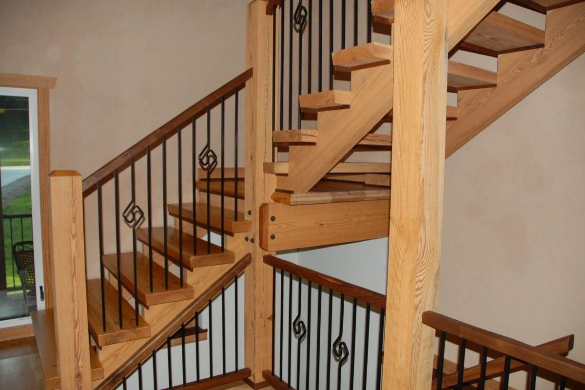 escada com Vigas laterais