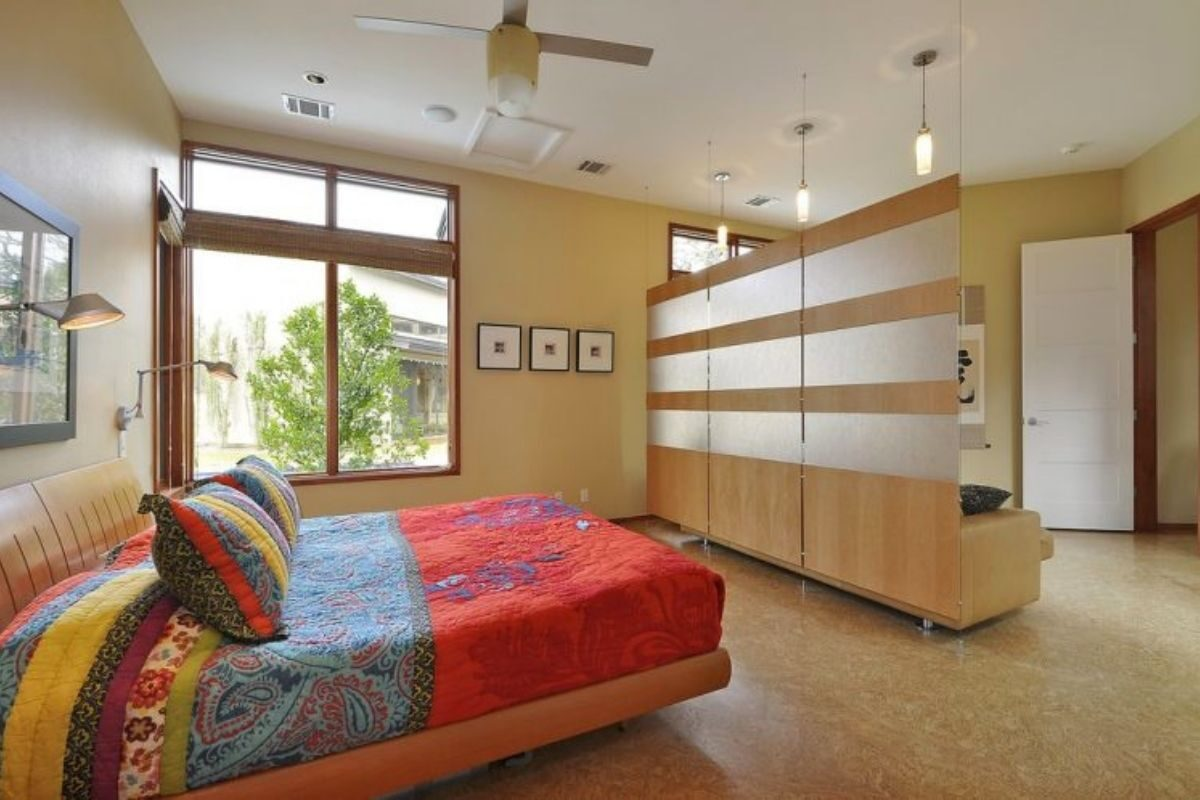 Divisória de madeira no quarto