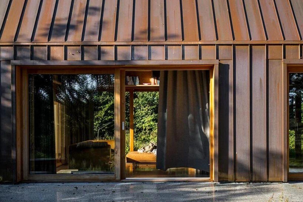 casa de madeira e cobre foto 6