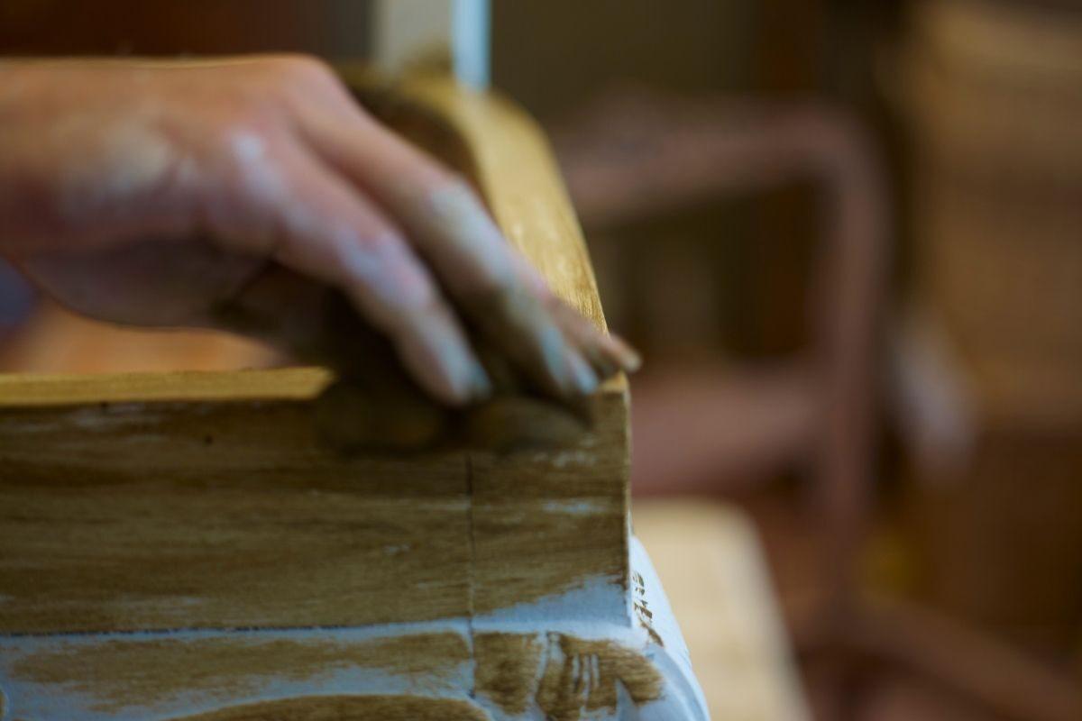 desgaste a madeira colorida