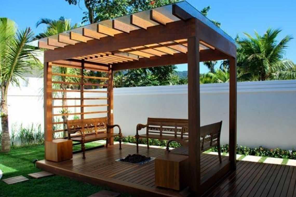 2. Quiosque de madeira para casas pergolado