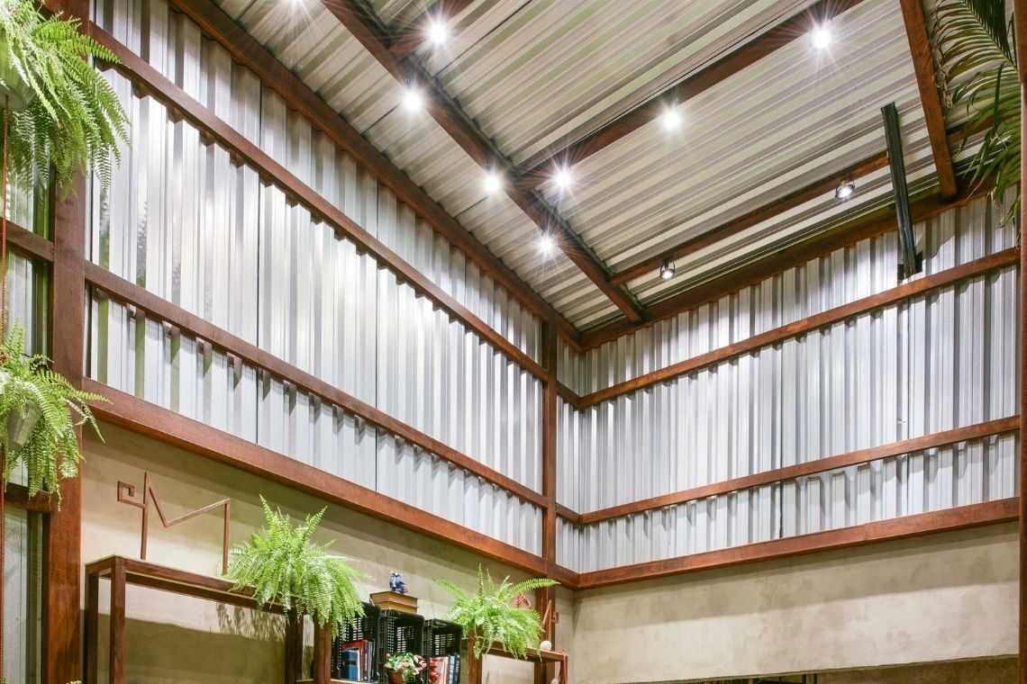 Acabamento interno com telha de alumínio