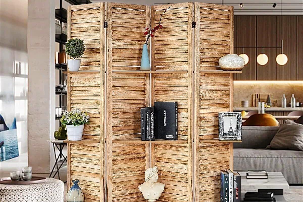 Biombo de madeira na sala