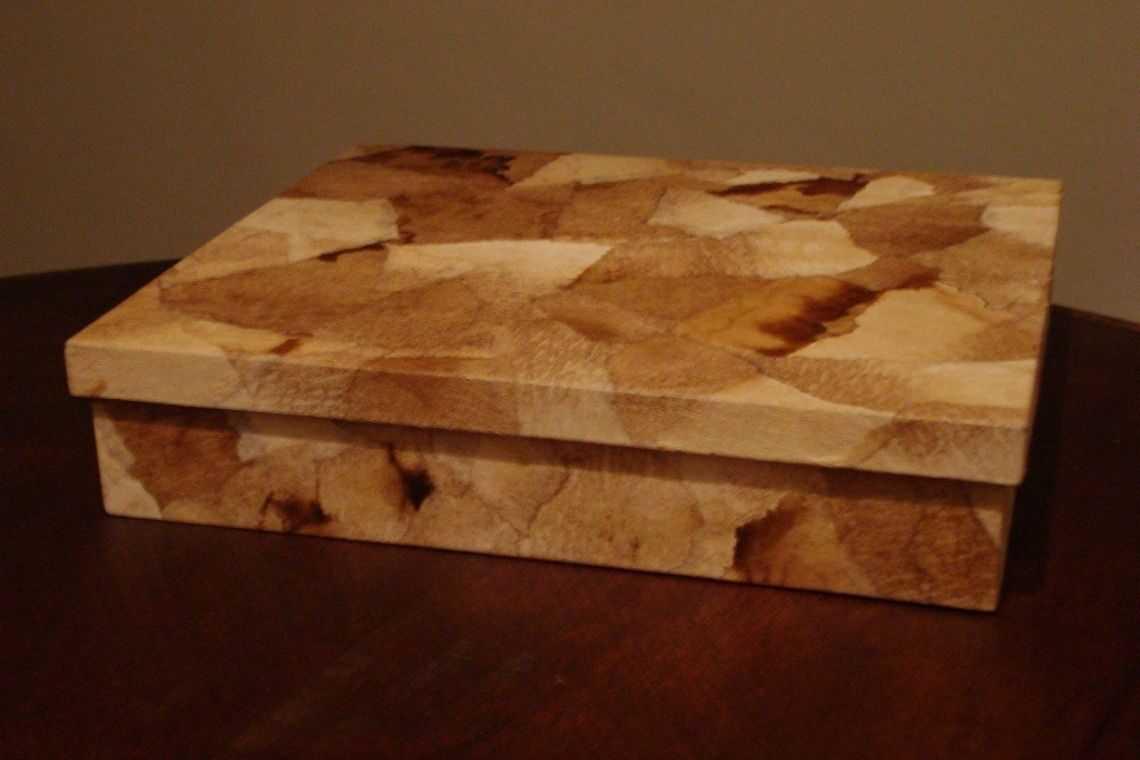Caixa de madeira artesanal