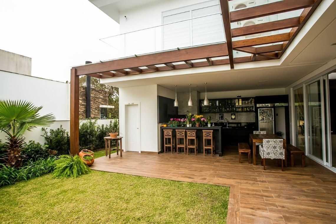 Casa em L com espaço gourmet