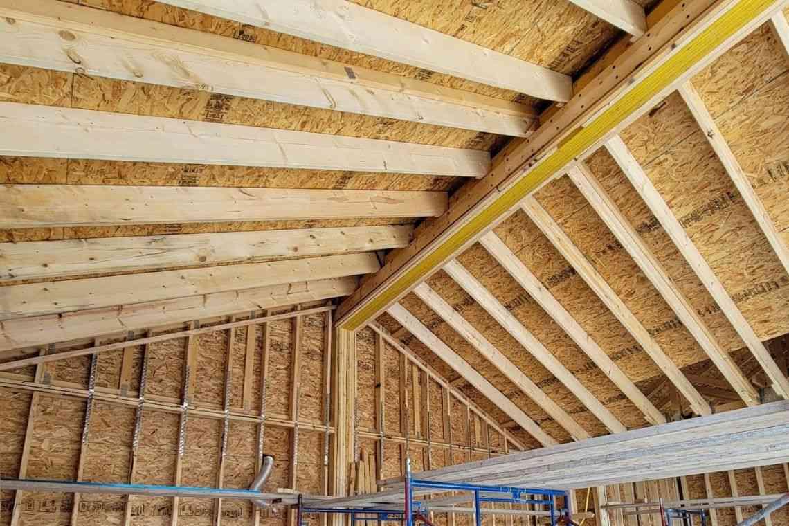 Garagem com cobertura de madeira