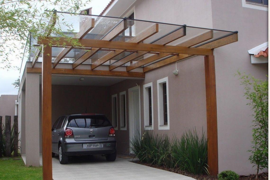 Garagem de madeira estilo pergolado