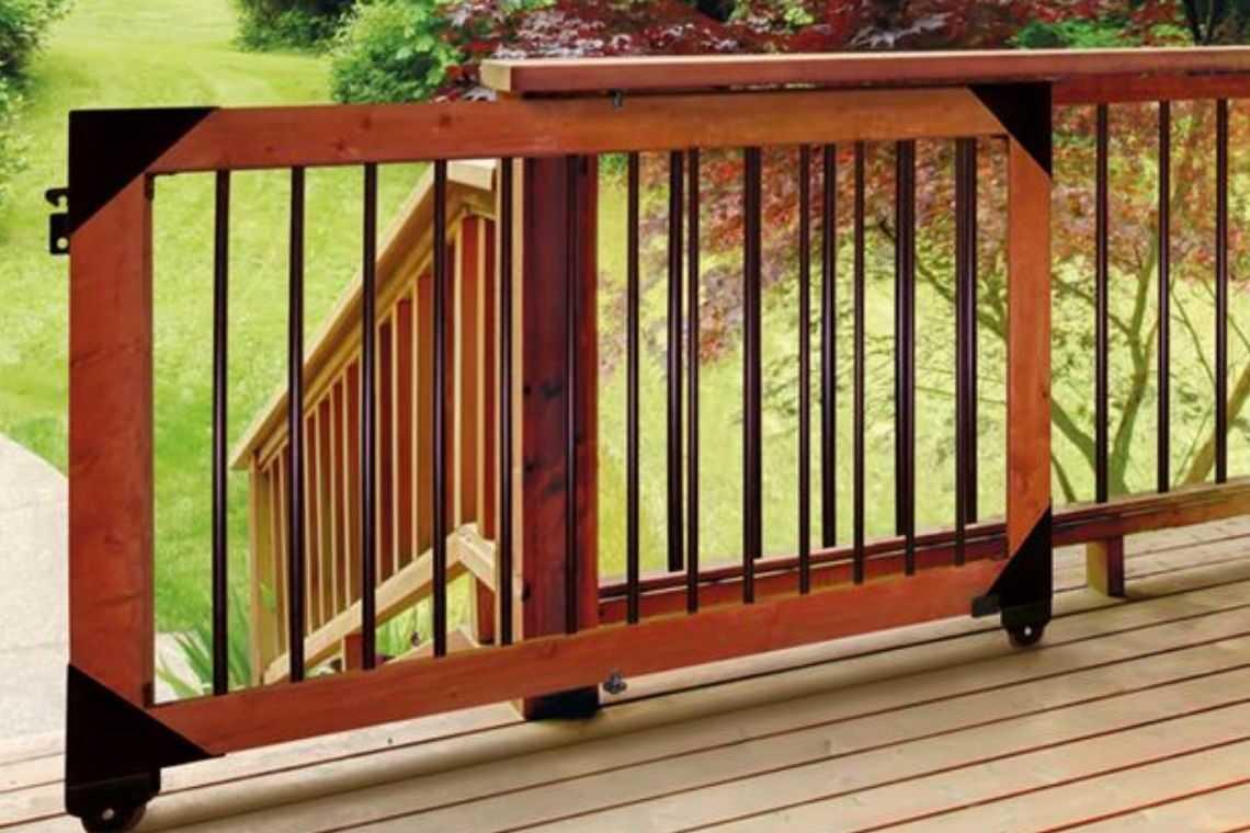 Portão de madeira de correr com tela