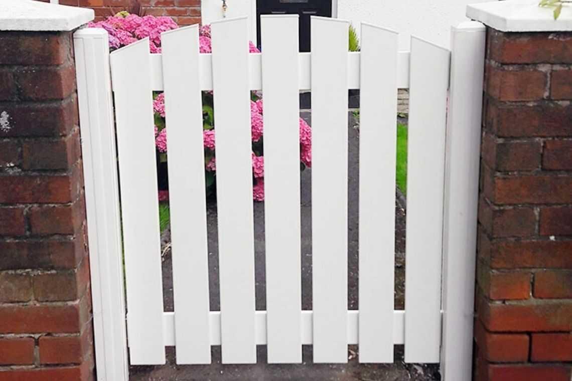 Portão de madeira pequeno