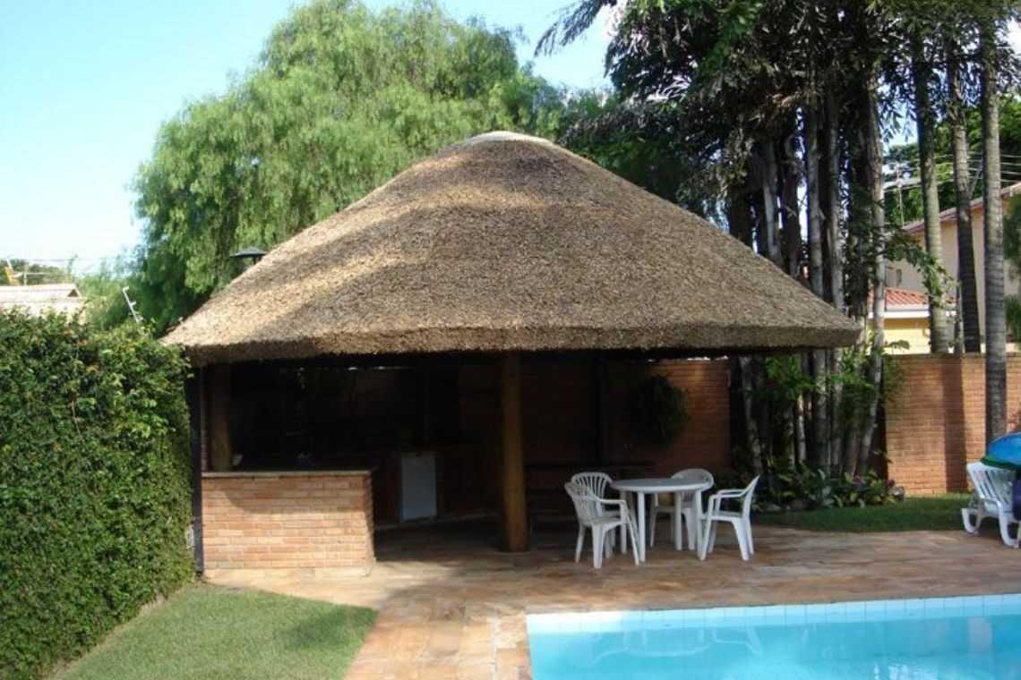 Quiosque rústico para piscina