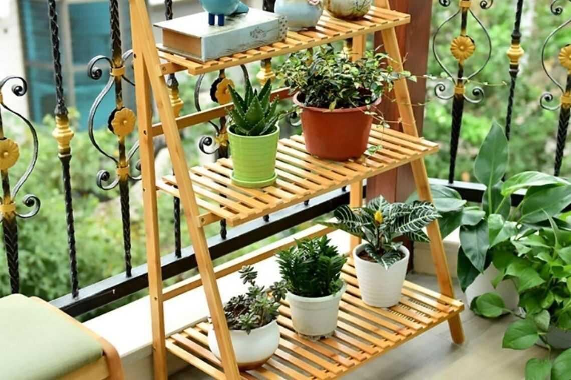 Suporte de madeira para plantas para quiosque rústico