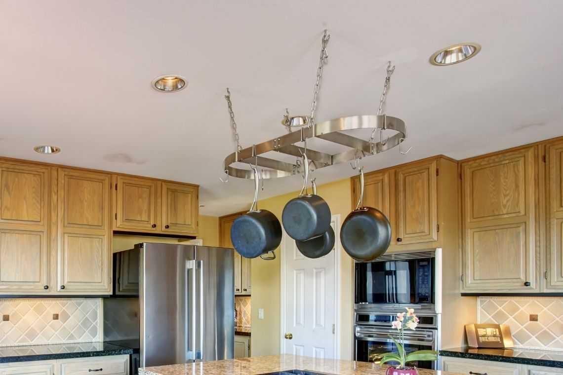 Utilize suportes na cozinha americana