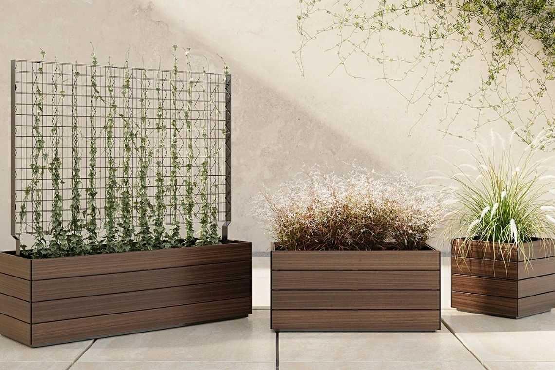 Vaso de madeira para área externa