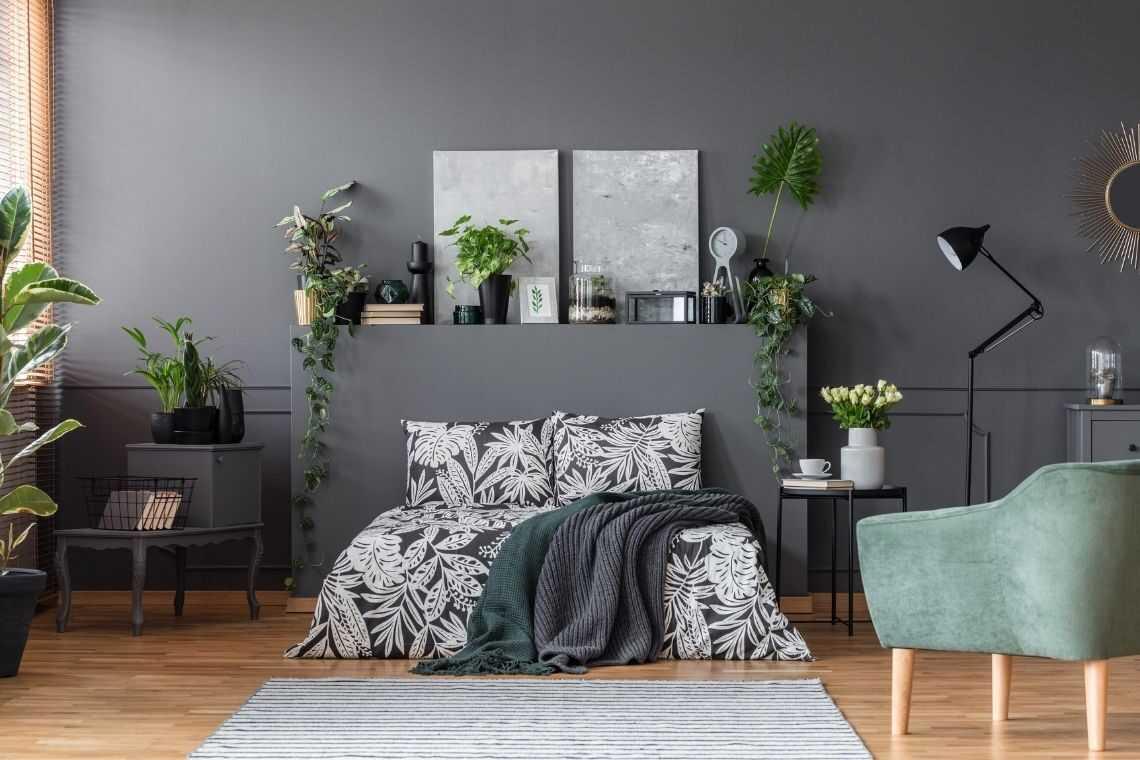 vaso de madeira no quarto